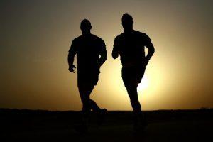 manfaat-olahraga-lari-di-pagi-yang-sejuk-300x200